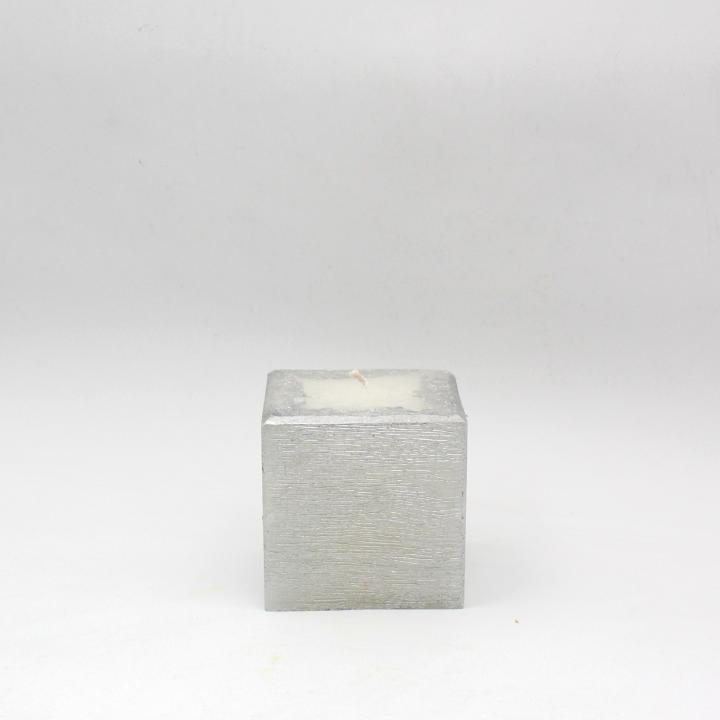 Candela cubo spugnato