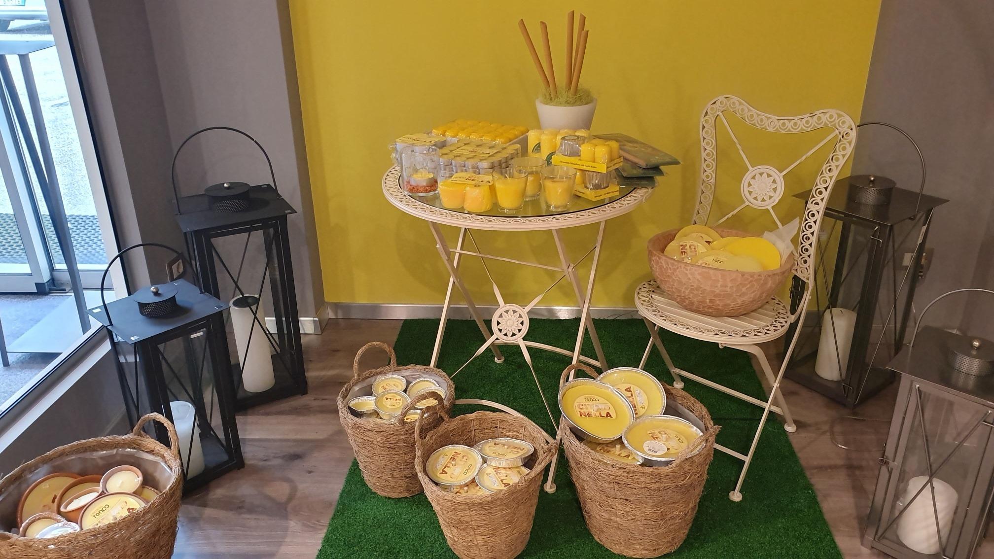 candele citronella ambientata negozio